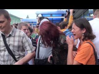 """Lenta.doc: События: """"День поцелуев"""" (11/06/2013)"""